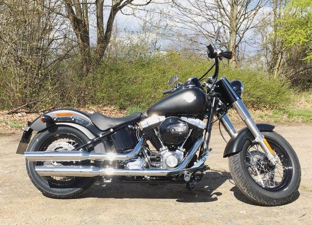 images_Archiv_Fahrberichte_HD_Harley-Davidson-Softail-Slim-Modell-2016_Harley-Davidson-Softail-Slim-2016-rechts